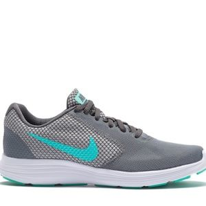 Nike Revolution 3 Running Shoes